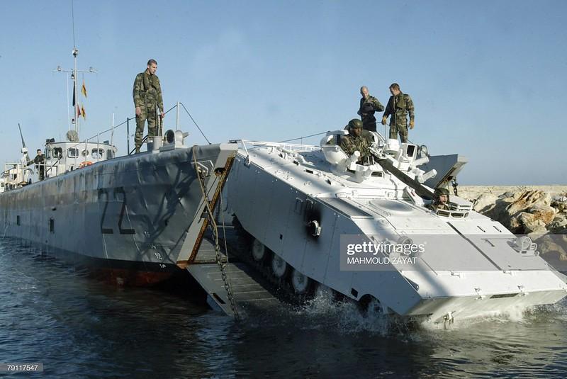AMX-10P-unifil-manoeuvres-naqura-20081119-gty-1