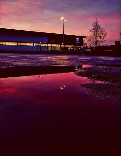 motorola g6 snapseed sunrise pink purple blue mother nature beautiful silsden sky aldi wet reflection puddle