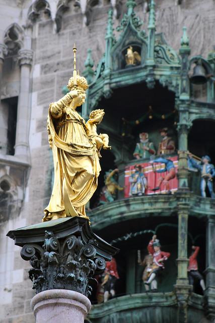 Mariensäule & Rathaus-Glockenspiel