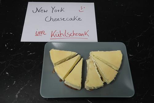 New York Cheesecake mit Caramel Topping (Rest für die Kollegen und Kolleginnen mit ins Büro genommen)