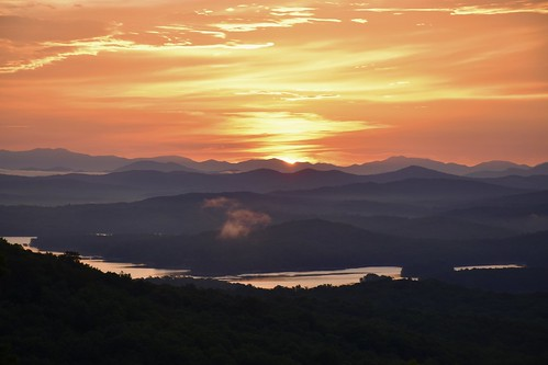 travel georgia blue ridge lake mountains sunrise nikon d5500 color colors appalachian appalachia road mountain photography photographer discover explore