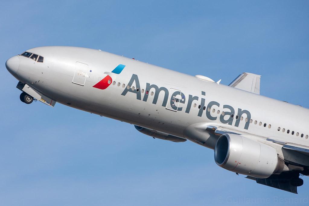 Boeing 777-200ER American Airlines N776AN cn 29582/215
