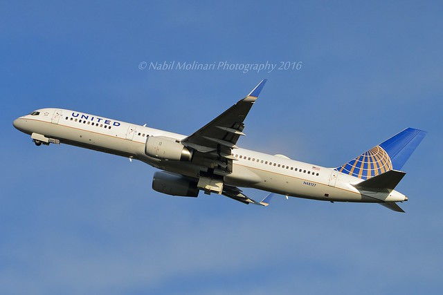 United Airlines N48127 Boeing 757-224 Winglets cn/28968-791