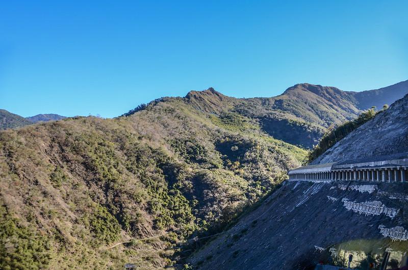 梅山明隧道口東北望馬馬宇頓山 (2)