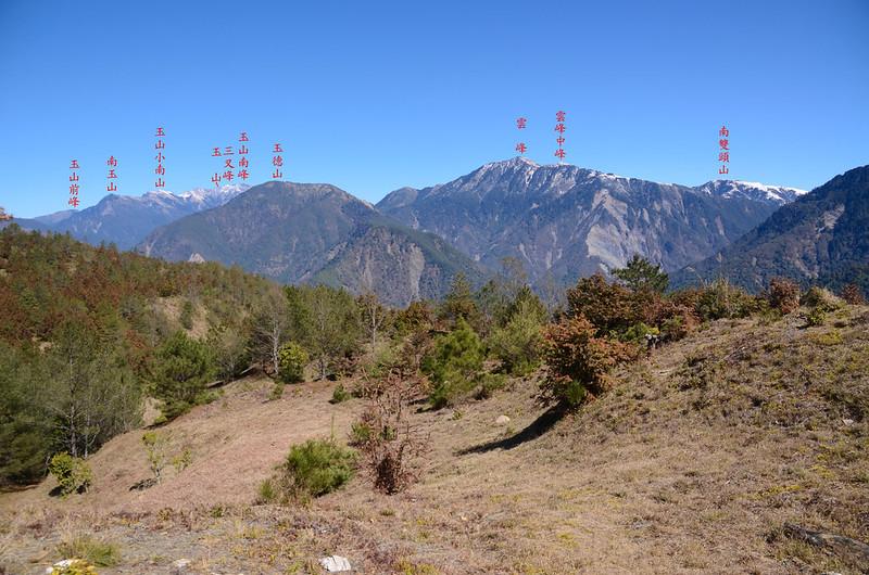 天池觀景台東北望玉山群峰、雲峰、南雙頭山 (2)