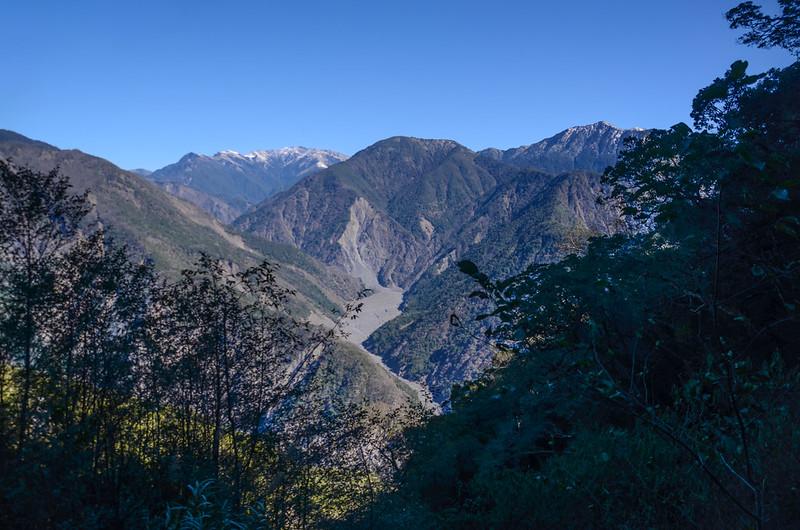 中之關古道海拔2080m左右東北望 (5)