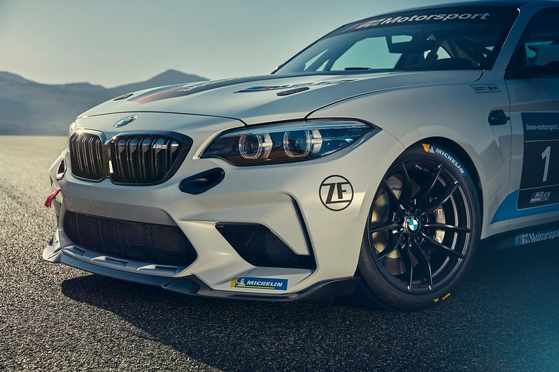 BMW-M2-CS-Racing-6