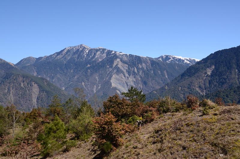 天池觀景台東北望雲峰、南雙頭山 1