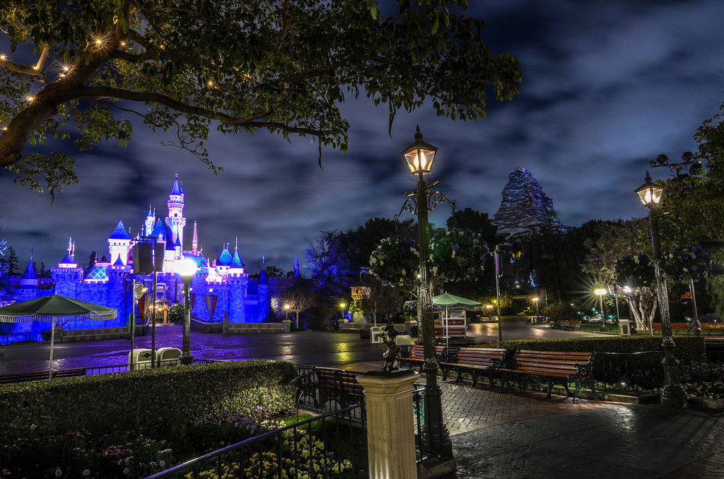 Castle Matterhorn DL night