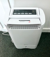 De-humidifier 34:366 (4:1129)