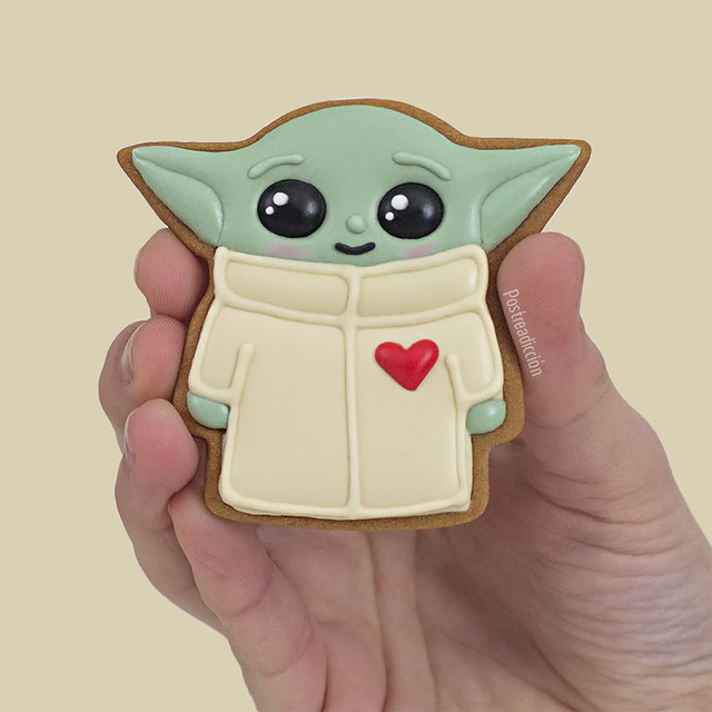 baby yoda decorated cookie