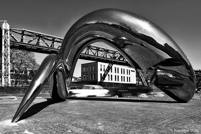 """""""I'm alive"""" - Tony Cragg, Wuppertal"""