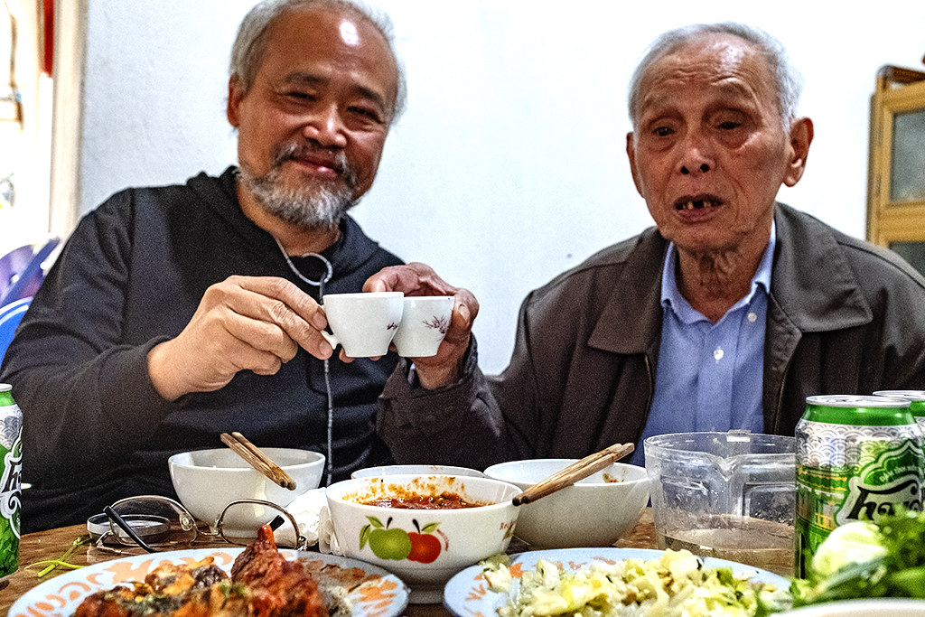 Lunch with Ly Quang Vinh, Battle of Dien Bien Phu veteran--Thanh Luong