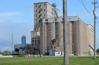 A KCS switcher works the Bartlett Grain Facility at Council Bluffs Iowa