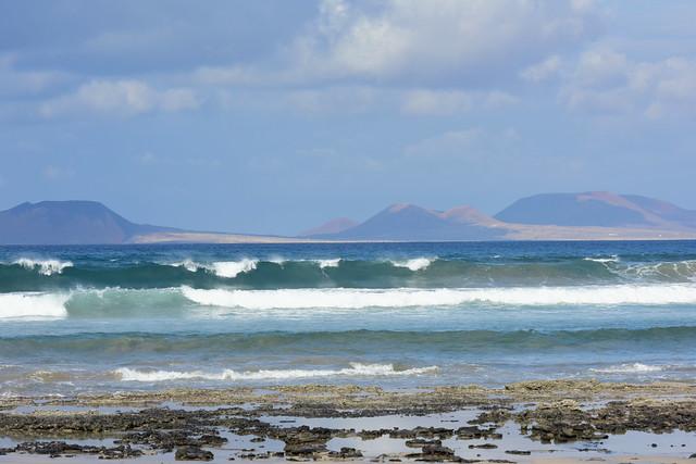 Famara beach, Lanzarote, Islas Canarias, Spain,_Nikon_D810,_January_2020_931
