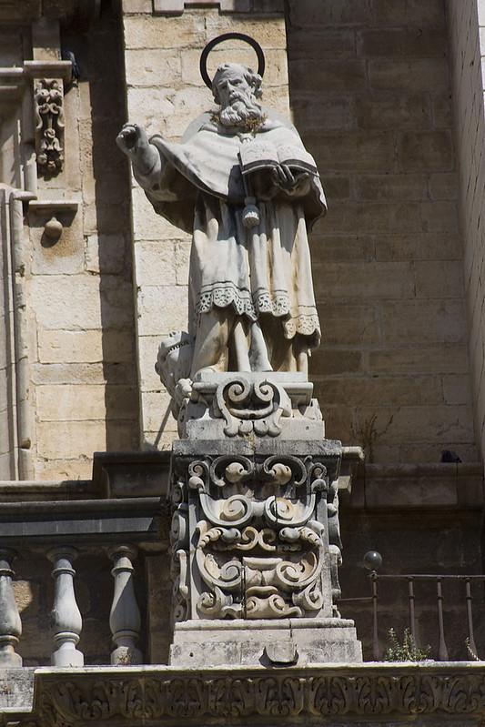 800px-Jaén-Catedral_de_la_Asunción-San_Jerónimo-20110919