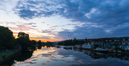 marlow marlowlock marlowweir riverthames river sunrise sunriselight wetreflections skys