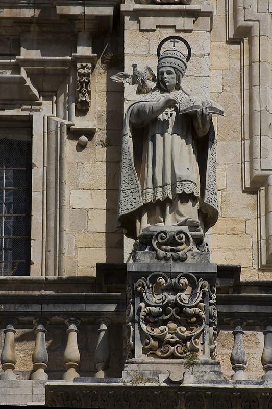 800px-Jaén-Catedral_de_la_Asunción-San_Gregorio_Magno-20110919