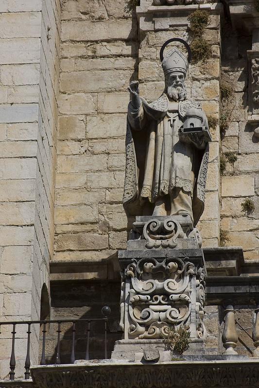 800px-Jaén-Catedral_de_la_Asunción-San_Agustín-20110919
