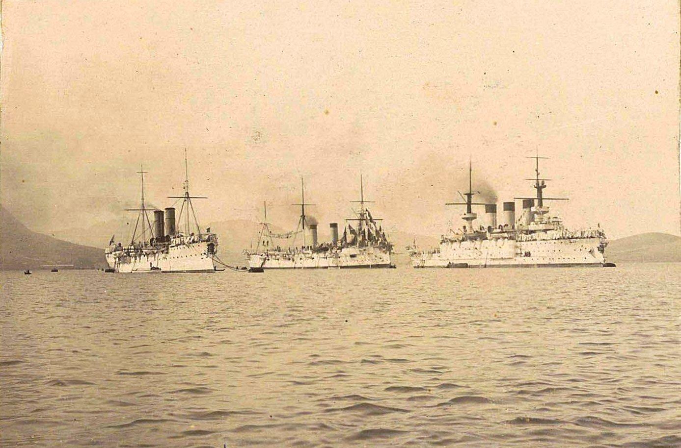 23. Три больших корабля в море. 1901