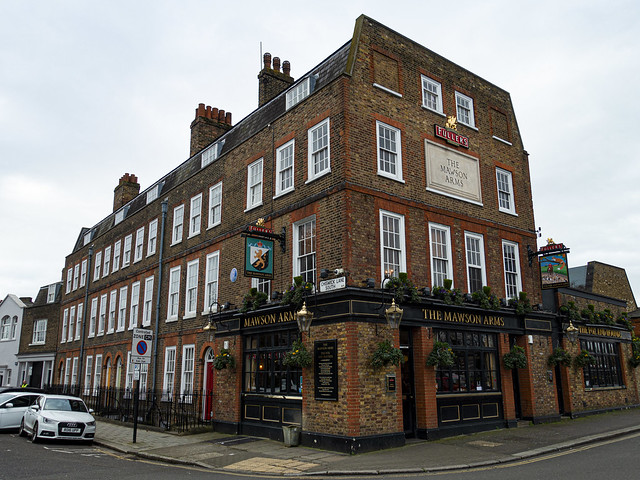 The Mawson Arms at the Fullers Brewery