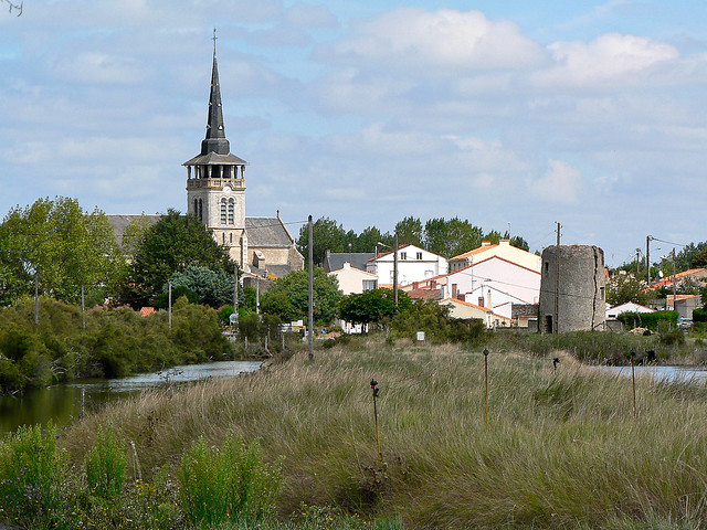 L'église Saint-Martin-de-Vertou, L'Île-d'Olonne - France (1009312)