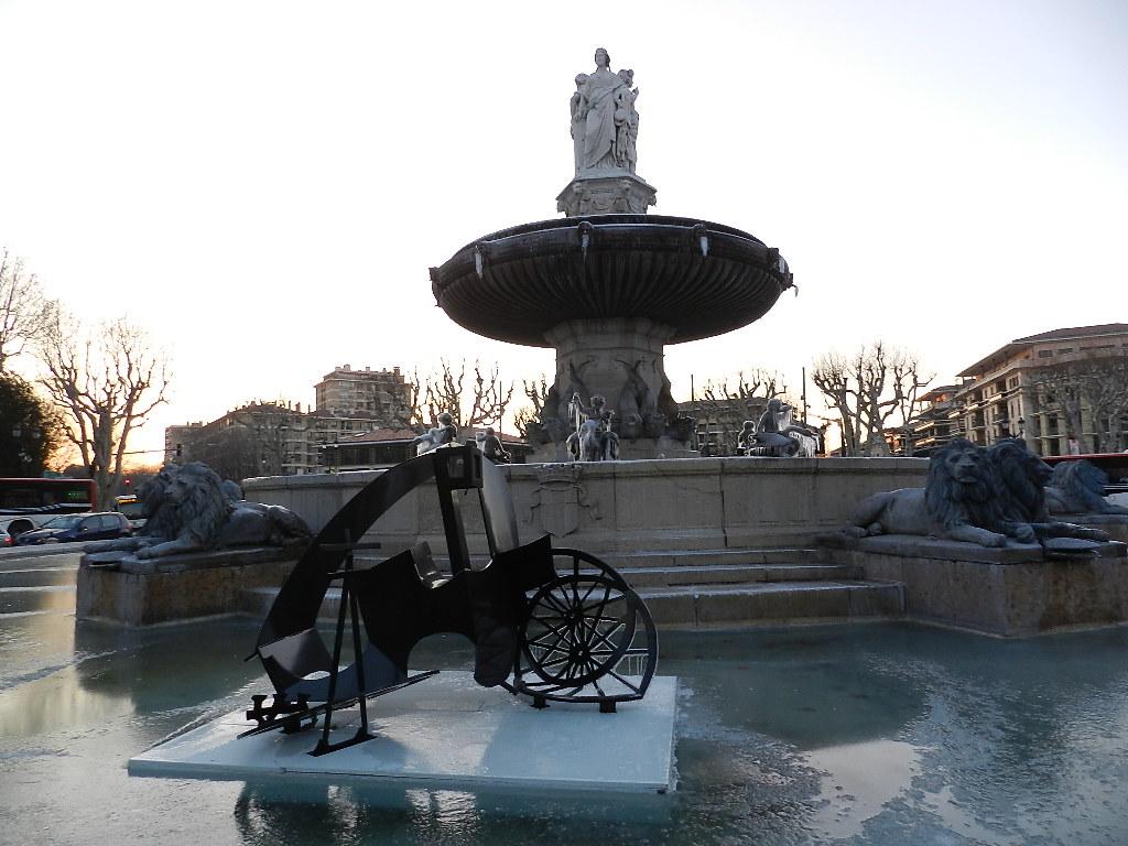 AIX Fontaines gelées + Cours mirabeau à poids rouges JANV 2013