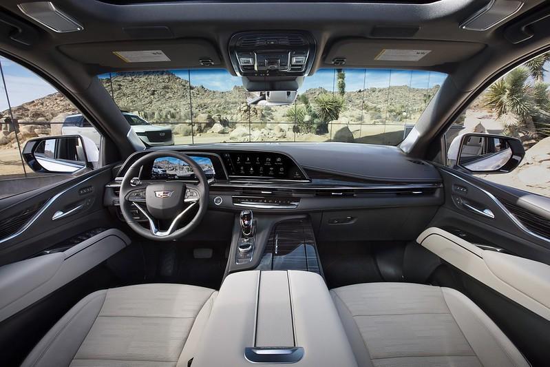 Cadillac-Escalade (4)