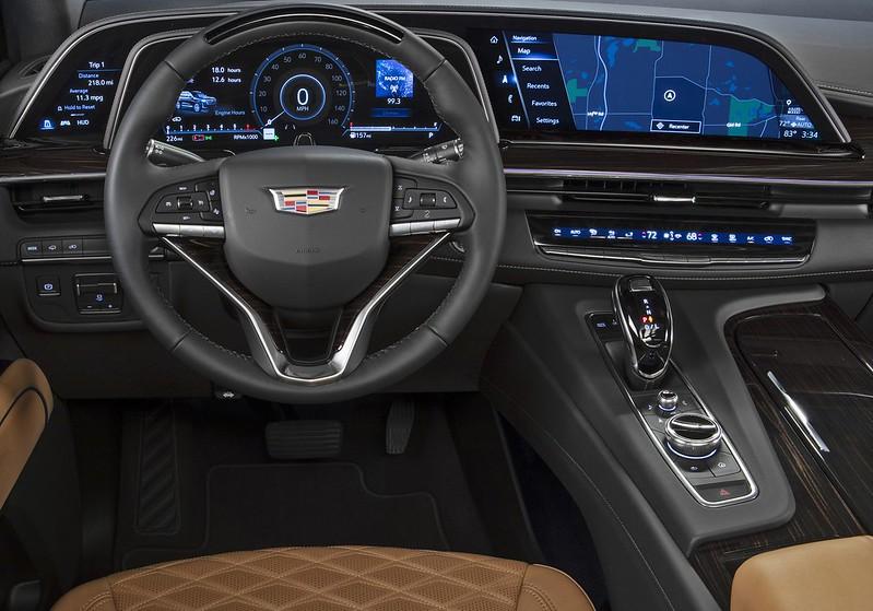 Cadillac-Escalade (2)