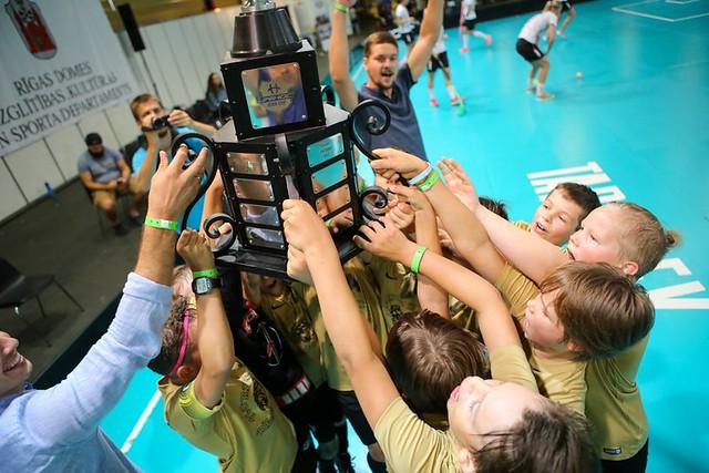 """""""Rīgas Lauvas"""" triumfē """"Unihoc Riga Cup"""" U11 grupā"""