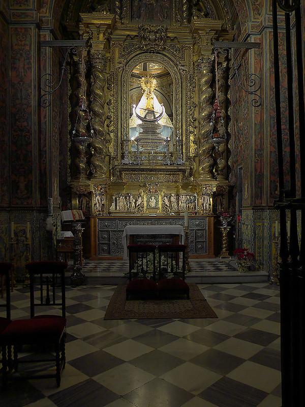 Basílica_de_San_Ildefonso_(Jaén)._Virgen_de_la_Capilla