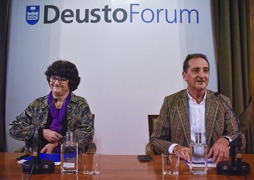 """Pepa Torres, teóloga feminista y activista por los derechos de los migrantes, en el ciclo de conferencias """"Miradas para acompañar"""" de DeustoForum"""
