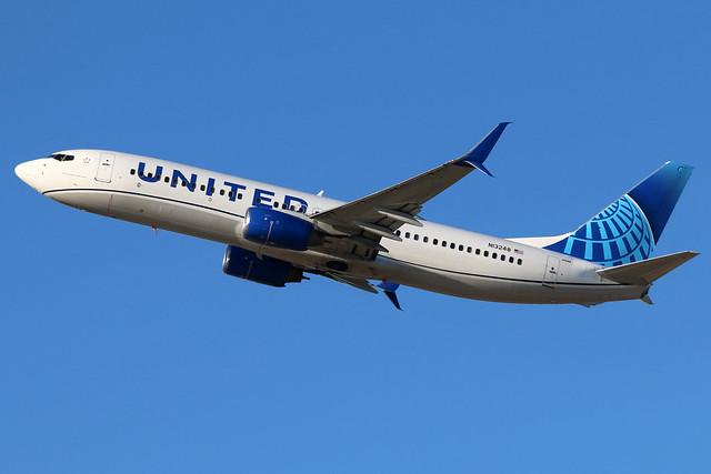 N13248 UNITED 737-824SW at KCLE