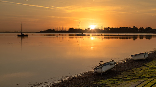 langstone sunrise silhouettesatsunrise coastalsunrise sunriselight boats