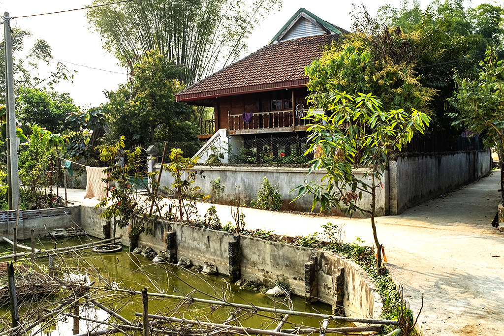 House with concrete stairs--Ban Banh