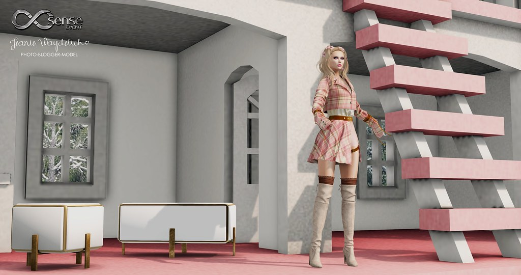 LOTD 1502 - My Doll House