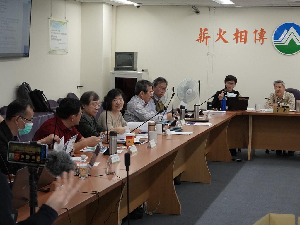彰化環保聯盟秘書吳慧君欲直播卻遭環評委員反對。孫文臨攝