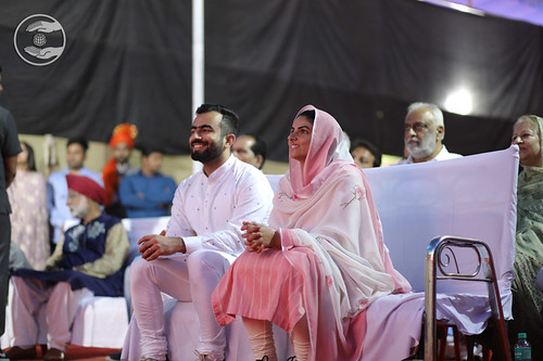 HH Mata Ji and Rev Ramit Ji watching Kids Play