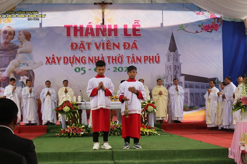 Tan Phu (42)
