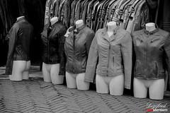 In een nieuw jasje steken.
