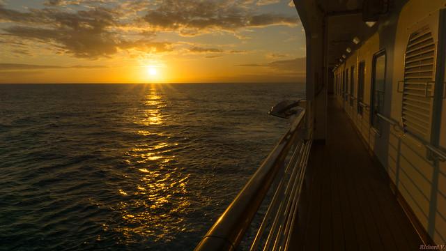 Coucher de soleil en mer, sunset at sea, Koningsdam - 3636