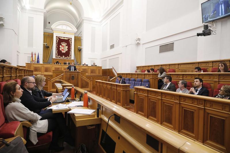 Pleno en las Cortes de CLM