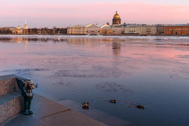 An Evening Walk around the River — Прогулка по вечерней реке
