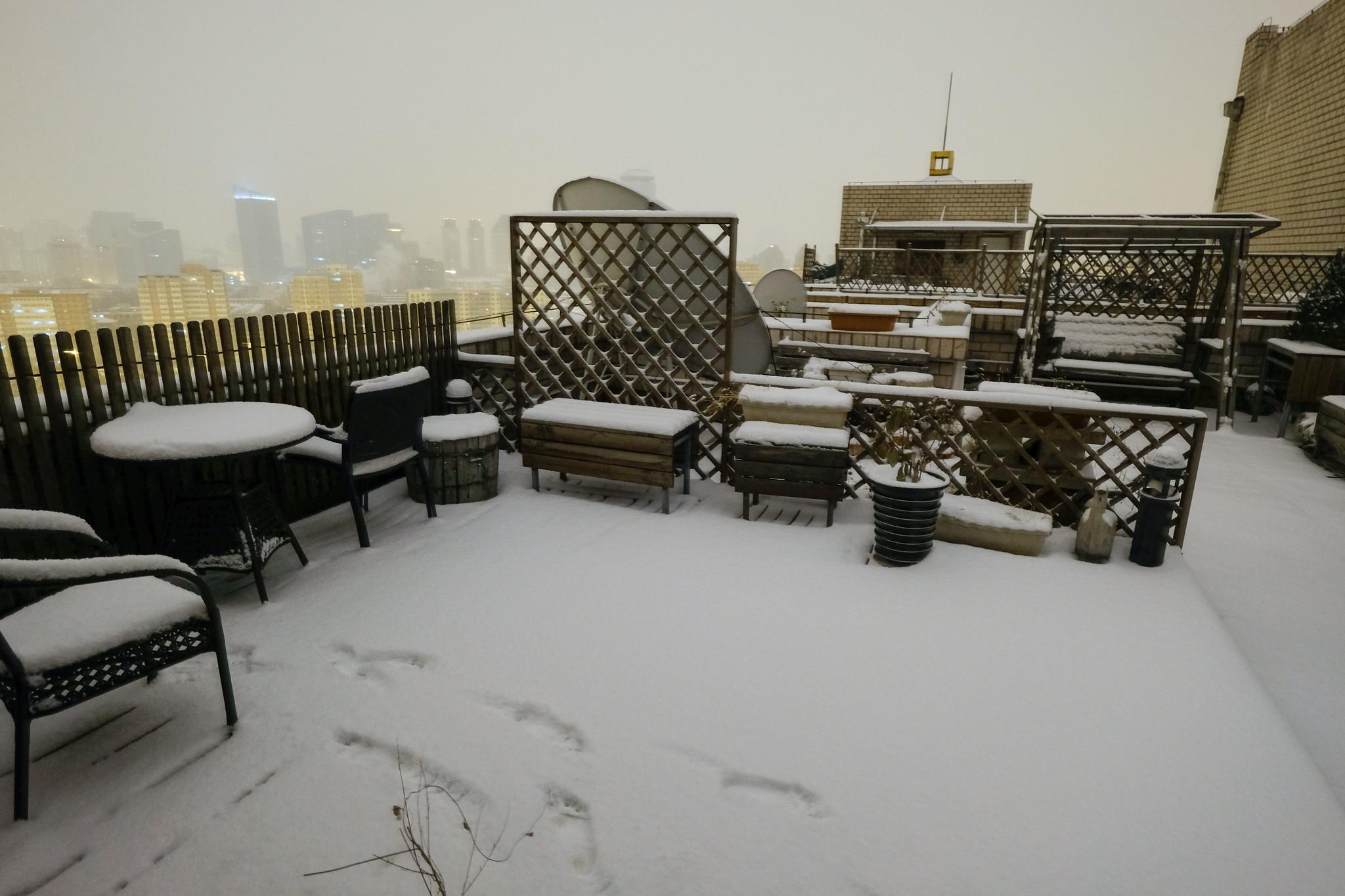 schnee-rooftop0