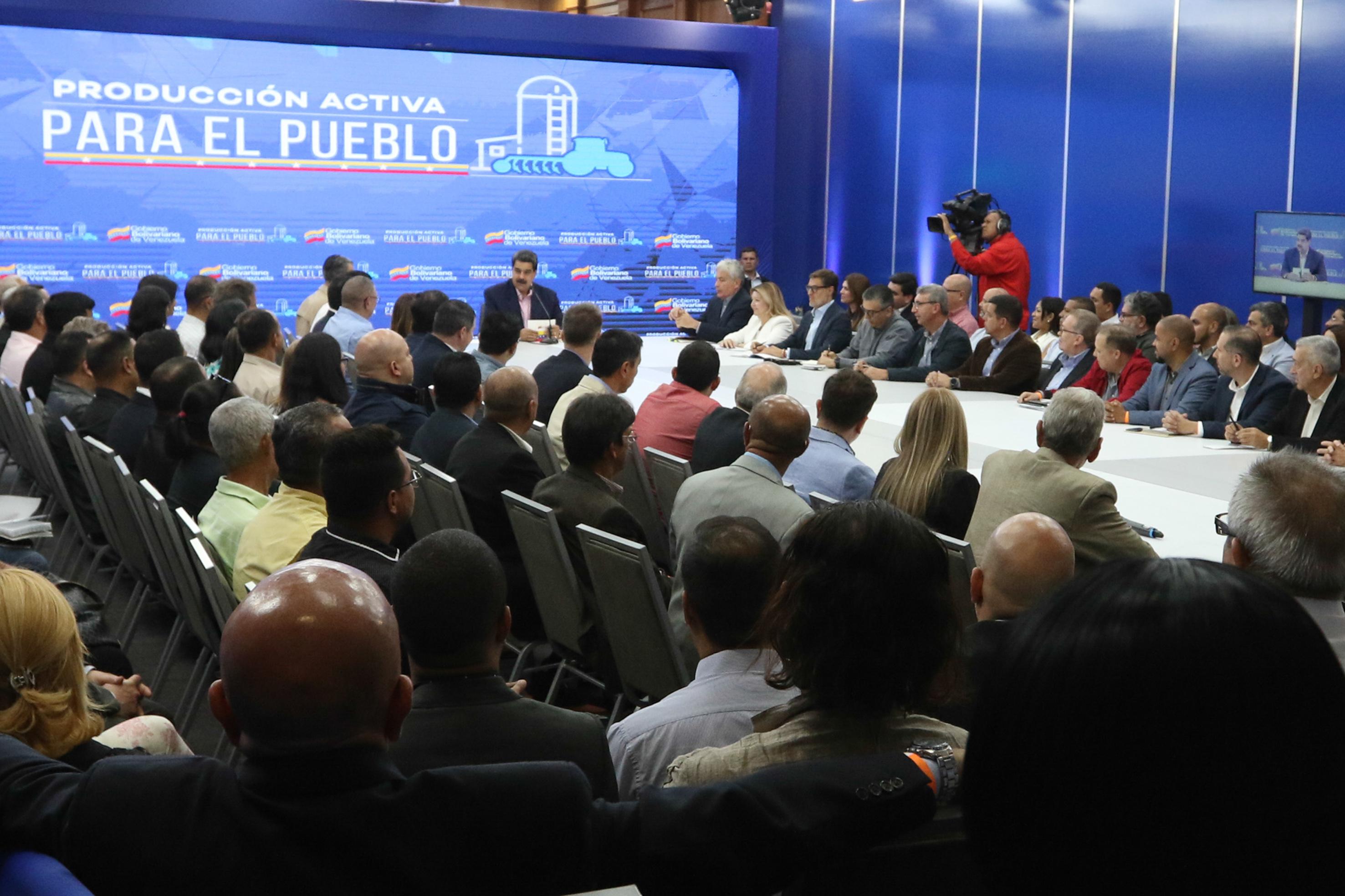 Política estadounidense contra Venezuela le asesta derrotas a Trump