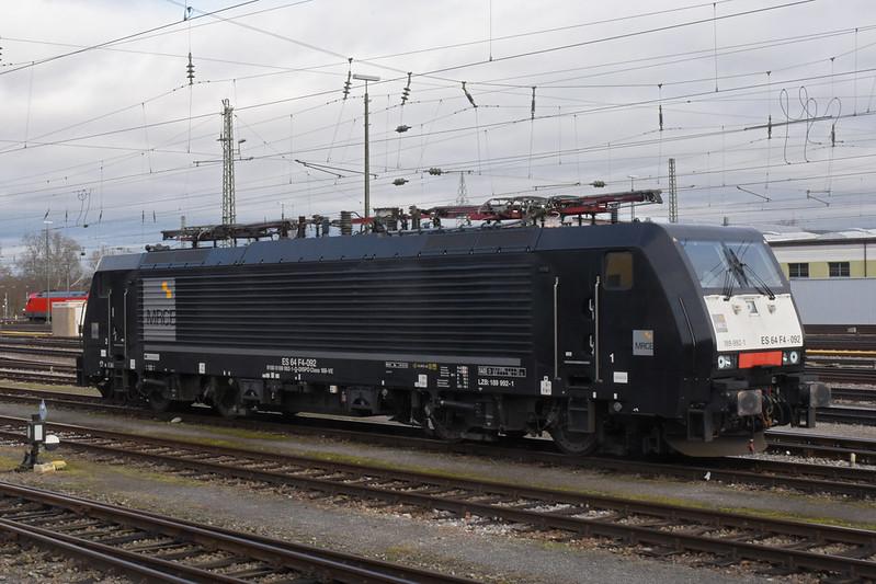 Lok 189 992-1 steht am 31.01.2020 in der Abstellanlage beim badischen Bahnhof.