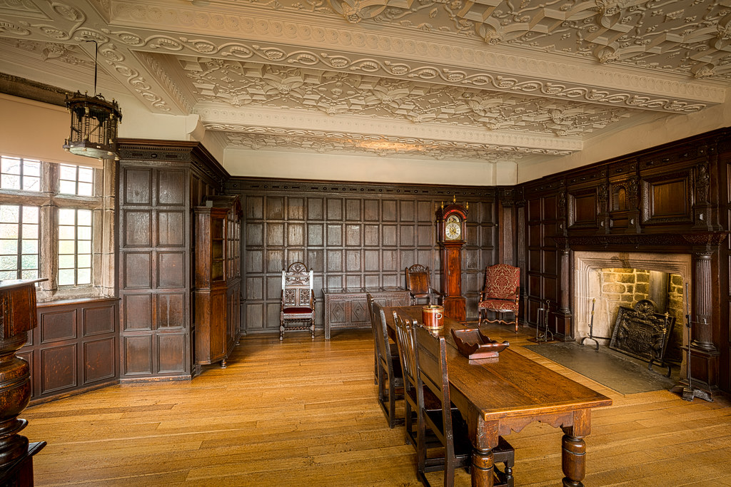Hall i th Wood Manor House Dining Room
