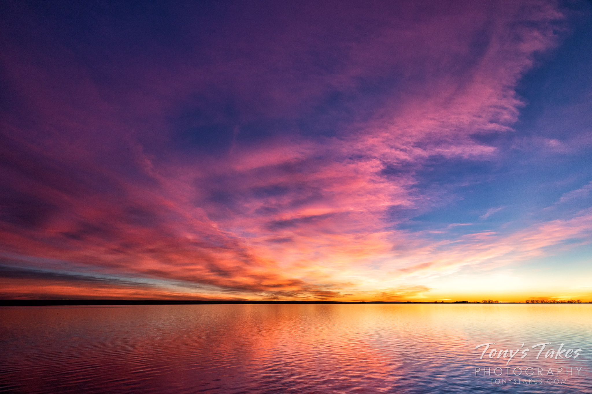 Pastel colors make for a beautiful sunrise on the Colorado plains. (© Tony's Takes)