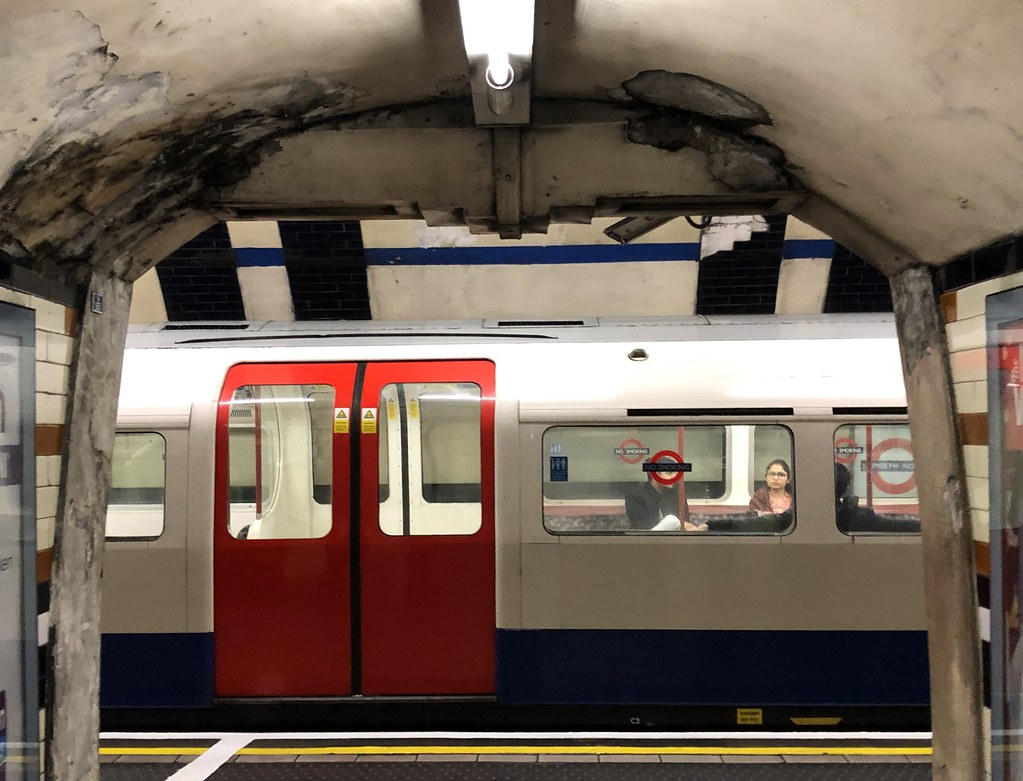 London Underground by Simon_sees