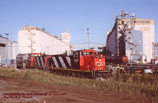 (SEE & HEAR)---CN 1437-1433, Thunder Bay, ONT. 9-15-1998